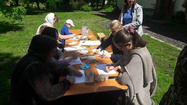 27 мая в больнице святого князя Владимира состоялось занятие с детьми арт-терапией на свежем воздухе