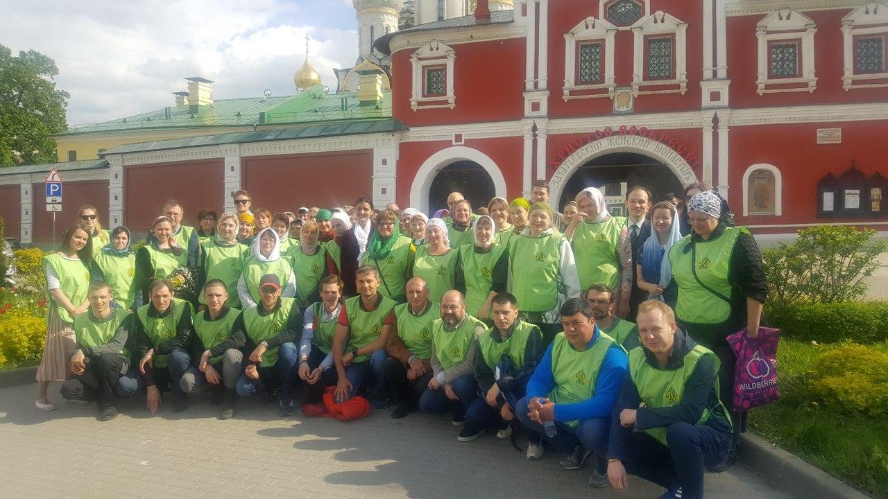 Второй день дежурства у мощей святителя Николая Чудотворца
